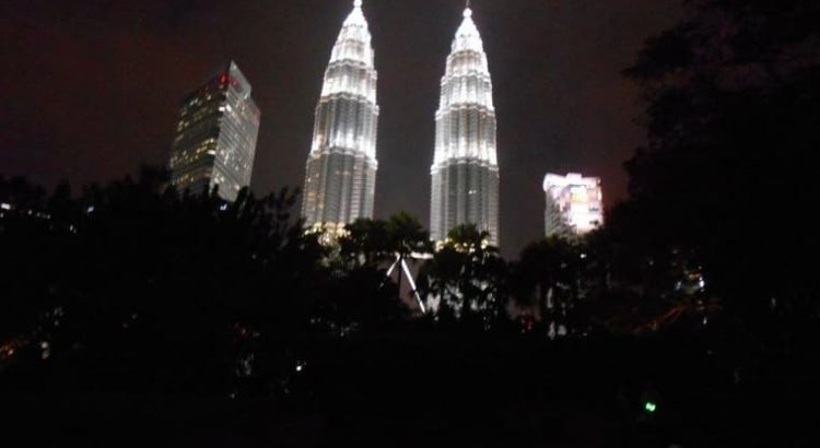 Petronas Twin Towers snachts